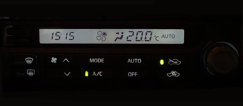 自動車の冷房と暖房は燃費に影響する?