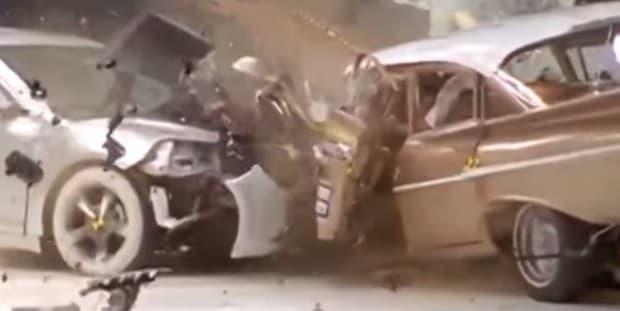 50年間で自動車の衝突安全性能はこれだけ違う!どの程度向上したのかよく分かる動画