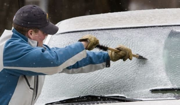フロントガラスの凍結を防ぐ