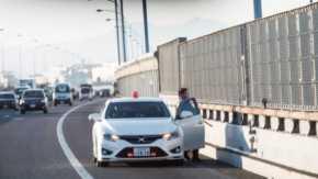 260km/hまで追いかけてくる!警視庁の公道最速覆面パトカー「マークX+Mスーパーチャージャー」