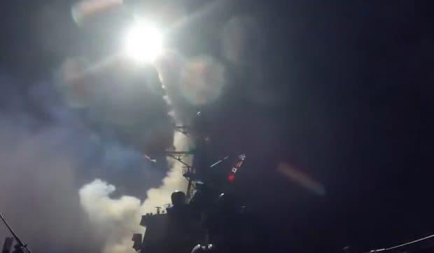 アメリカがシリアに撃ち込んだトマホークミサイル(巡航ミサイル)の映像をアメリカ国防総省が公開