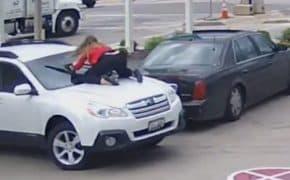車泥棒を体当たり撃退!カージャックされた女性の危ない行為が世界中で話題に
