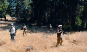 PUBGの殺伐とした世界を実写化した動画が公開!ゲームのあるあるネタも再現