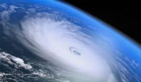 台風22号が今週末に日本直撃!台風さん2週連続出血大サービス!