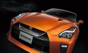 日産 GT-R新型発売!2018年モデルはイモビライザーとApple CarPlayが全車標準装備