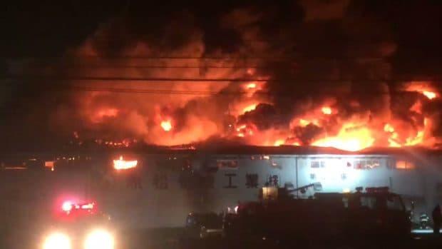 徳島県松茂町で赤松化成の工場が大火災!けが人はなしと警察が発表