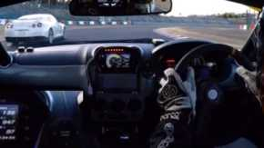 ダイハツ・コペンがR35 GT-Rやポルシェケイマンをぶち抜き圧倒的な速さを見せつける車載映像