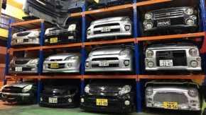 マレーシアの車屋に大量の日本ナンバー付き軽自動車 しかもハーフカットで盗難車ではないかと話題に