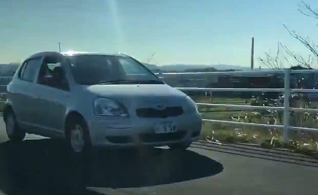 高齢者が歩行者のいる歩道を暴走するして宮崎県警が特定を急ぐ!周辺住民「歩道を走る車は何度か目撃した」