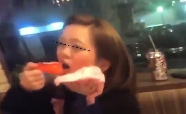焼肉屋で女性客がタレ直飲みしてグリルに吐いたりとやりたい放題の大暴れ動画が大炎上