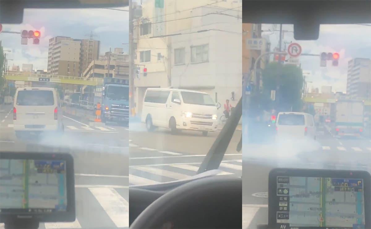 大阪で交差点を占拠してスピンしながら暴走するトヨタ・ハイエースが目撃される!常習的に暴走している模様
