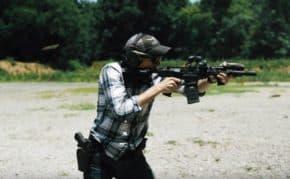 エアガンで3年間タクトレしたスキルが実銃でも通用することを日本人が証明!初の実銃とは思えない動きにプロも衝撃