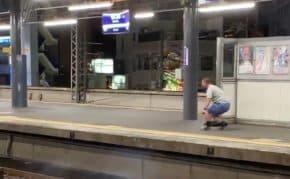 京阪・守口市駅で通過する特急電車に爆竹を投げ込んで絶叫する男が登場!男は何を訴えたかったのか