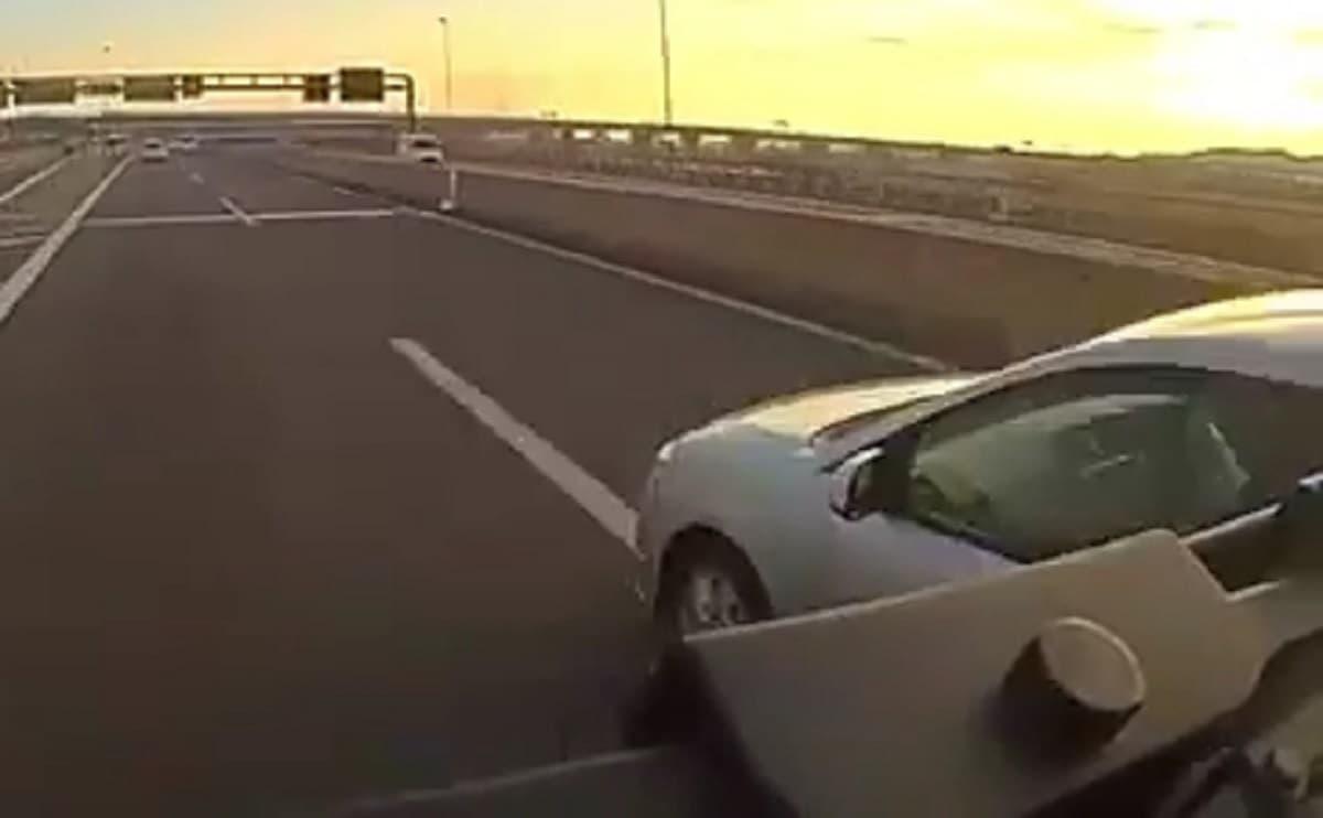 京都府・第二京阪道路で危険な幅寄せで事故発生!幅寄せ車両は兵庫県警の捜査車両と報告