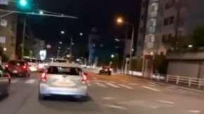 川崎市の国道246号線にあおり運転や大逆走するプリウスに乗る暴走族が出現