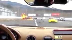 富士スピードウェイの7時間耐久レースで衝突事故!車両火災により男性が全身やけどや骨盤骨折などの重傷