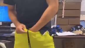 ココイチの店員がチン毛をカレーに盛るバイトテロ動画流出で店は営業停止!バイト「スパイス振りかけましたww」