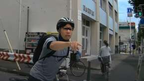 "<span class=""title"">横浜市中区で自転車乗りが車の運転手と車内に唾を吐く!コロナ禍でなくても暴行罪成立か</span>"